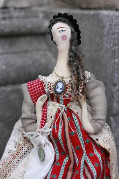 Handmade Worry Doll 'Kika' by Pantovola. A ooak cloth doll that will carry your worries in her pouch. #worrydoll #clothdoll #ragdoll #artdoll #folklore #folkart #handmade #pantovola
