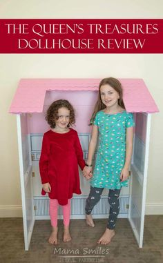 If you're looking for a dollhouse for 18 inch dolls, you'll love this fold up dollhouse option! Read our review of this gorgeous The Queen's Treasures Doll House that we were sent to review. #dollhouse #thequeenstreasures #18inchdolls #pretendplay Happy Mom, Happy Kids, Mini Reading, Chicken Scratch Embroidery, Rainy Day Fun, Educational Activities For Kids, Best Kids Toys, Toddler Play, Top Toys