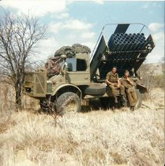 The SADF captured many Russian made rocket launchers and made their own improved version Military Weapons, Military Life, Military History, South African Flag, South African Air Force, Military Archives, Army Day, Defence Force, Armored Fighting Vehicle