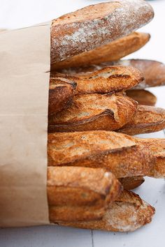 Fresh bread in the morning. Pan Comido, Bread Recipes, Cooking Recipes, Plum Pretty Sugar, Our Daily Bread, Artisan Bread, Snack, Food Photography, Food Porn