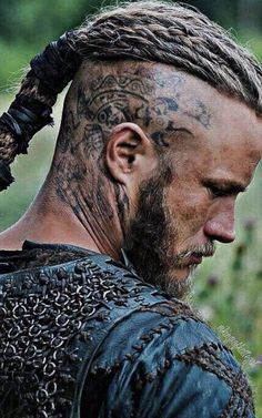 Viking Head, Viking Life, Viking Warrior, Viking Aesthetic, Ragnar Lothbrok Vikings, Viking Costume, Viking Cosplay, Viking Series, Tattoo Templates
