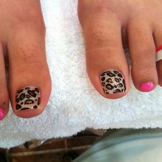 Pretty toe nails but DISGUSTING hairy toes!