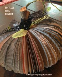 How to Make Pumpkins From Recycled Books Fall Pumpkin Crafts, Fall Crafts, Holiday Crafts, Crafts For Kids, Thanksgiving Crafts, Fall Pumpkins, Fall Projects, Craft Projects, Craft Ideas