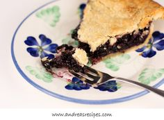 The most amazing pie ever - wild Maine blueberry pie in Bar Harbor