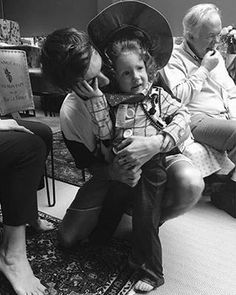 Louis and Doris ❤️ a good brother and with a heart of gold Liam Payne, One Direction Louis, Rebecca Ferguson, Louis Tomlinsom, Louis And Harry, Nicole Scherzinger, Foto One, Tomlinson Family, Waterloo Road