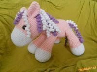 poník. Pet Toys, Crochet Toys, Diy And Crafts, Dinosaur Stuffed Animal, Projects To Try, Homemade, Dolls, Knitting, Kids