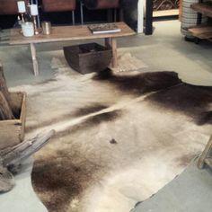 Vlinderstoel met koeienhuid | Decorating the home Ideas DIY ...