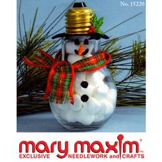 25 Cool Snowman Crafts for Christmas 2017 Recycled lightbulb snowman craft. Add charm to any Christmas tree or gift box, and make charming and thoughtful holiday presents for friends and family members. Diy Christmas Ornaments, Christmas Snowman, Christmas Projects, Winter Christmas, Holiday Crafts, Holiday Fun, Christmas Holidays, Christmas Bulbs, Christmas Decorations