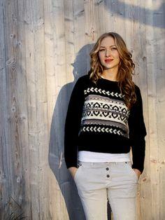 Naisen kirjoneulepusero Novita 7 Veljestä ja 7 Veljestä Polkka | Novita knits