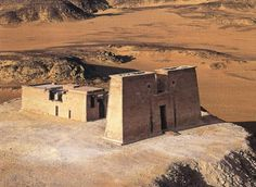 """Panorámica del TEMPLO DE WADI eL-SEBUA en la región de Nubia. Situado a 150 Km al sur de Asuán. Es tambien conocido como el """"Valle de los leones"""" significado de su nombre."""
