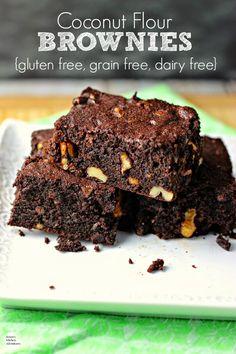 Coconut Flour Brownies, Coconut Flour Cakes, Dairy Free Brownies, Coconut Flour Recipes, Healthy Brownies, Coconut Oil, Healthy Cake Recipes, Healthy Desserts, Healthy Baking