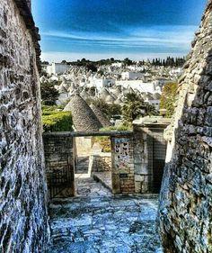 Alberobello e i suoi inconfondibili Trulli,Bari,Puglia Alberobello Italy, Regions Of Italy, Southern Italy, Bari, Land Scape, Beautiful World, Fresh Water, Countryside, Scenery