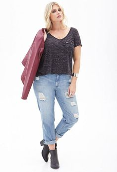 From Skinnies To Boyfriends, Your Perfect Plus-Size Jeans Plus Size Boyfriend Jeans, Plus Size Jeans, Casual Look For Women, Casual Looks, Curvy Fashion, Plus Size Fashion, Look 2017, Plus Size Looks, Fall Jeans