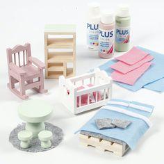 Valikoimistamme myös runsaasti erilaisia koristeltavia kalusteita nukkekoteihin ja minimaailmoihin.