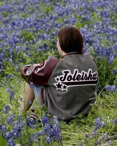 (Senior Picture Ideas w/letterman) picture with my letterman jacket, I like how the back is visible in this pic Summer Senior Pictures, Senior Photos Girls, Spring Pictures, Senior Girl Poses, Senior Picture Outfits, Senior Girls, Spring Pics, Girl Photos, Letterman Jacket Pictures
