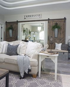 Rustic modern farmhouse living room decor ideas (32)