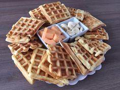 Met dit zachte wafels recept kan je iedereen bekoren. Kijk snel op mijn blog om deze wafels te maken aan de hand van stap-voor-stap instructies. Deze lekkere, zachte vanillewafels lukken altijd!
