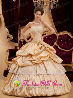 2013 San Pedro Ayampuc Guatemala Customize Champagne   Strapless Appliques With Beading For Quinceanera Dress Style QDZY131FOR