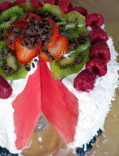 Bring a Stunning No-Bake Cake to Your Next Barbecue
