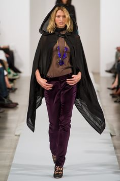 Oscar de la Renta Fall 2013 Ready-to-Wear Fashion Show - Hana Jirickova