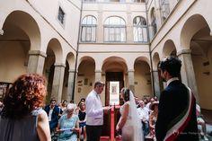 Jen & Matthias romantic wedding in Sansepolcro, Tuscany. Wedding documents and translation services by www.tuscantoursandweddings.om