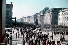 Unter den Linden in Berlin in the year of 1940, a time of great glory and enthusiasm for the German people as their Reich achieves continuous and truly grandiose victories, both militarily and diplomatically.