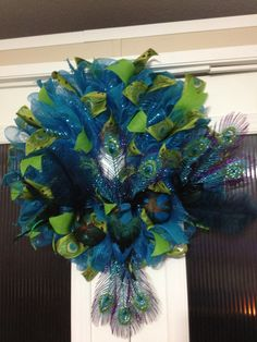 Peacock beauty very detailed and full created by Ronda Cromeens XL 75$