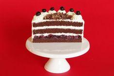 Schwarzwaldský třešňový dort Tiramisu, Cake, Ethnic Recipes, Desserts, Food, Tailgate Desserts, Deserts, Kuchen, Essen