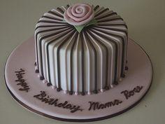 Peggy Porschen cakes in London Cake Decorating Frosting, Cake Decorating Designs, Easy Cake Decorating, Cake Decorating Techniques, Fondant Cake Designs, Fondant Cakes, Cupcake Cakes, Beautiful Cakes, Amazing Cakes
