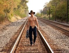 That's right... keep walking to me, cowboy!