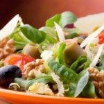 Mediterranean Salad - Here's a simple recipe for a great Mediterranean Salad.