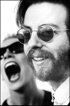 Dave Stewart (on the background Annie Lennox) (September 9, 1952) British singer, songwriter, producer and guitarist, o.a. known from the bands the Eurythmics and Spiritual Cowboys.