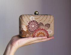 secret purse.. by #EleoLab #handmade #madeinitaly http://omaventiquaranta.blogspot.it/2013/09/eleonora-marchi-e-il-suo-eleolab.html