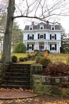 outdoor wreaths!! Holidays in Newburyport, Massachusetts