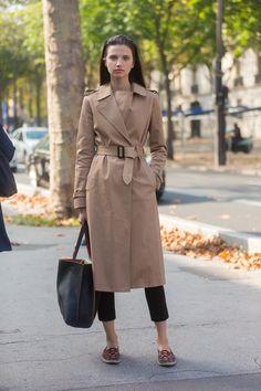10 Jacken, die jede Frau besitzen sollte: Der Trench-Coat