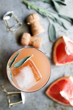 Grapefruit and Sage Champagne Cocktails | http://www.floatingkitchen.net