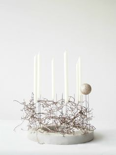 Christmas decoration: wreath out of concrete and with glittering branches | Advent wreath . Adventskranz . couronne de l'avent | @ monsters circus |
