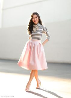 28cb9a718a9 48 Wonderful Midi Skirt Outfit Ideas For Spring And Summer 2018