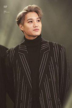 Omg can we take a minute to appreciate this artwork of a man! Kris Wu, Chanyeol, Kim Kai, Kim Minseok, Exo Korean, Kaisoo, Exo Ot12, Chinese Boy, Grey Hair