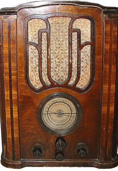 Antique AM Radio Television Set, Radios, Door Handles, Tube, Art Deco, Antiques, Vintage, Antique Radio, Door Knobs