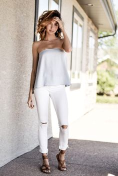 This light blue strapless top is everything. Styled by Amber: Elle Fashion, Boho Fashion, Fashion Outfits, Runway Fashion, Fashion Ideas, Classy Outfits, Cute Outfits, Girly Outfits, Stylish Outfits