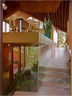 John Lautner's Celebrated Homes - Interior view of the Walstrom House