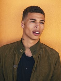 The jawline really gets me YESS Want more fine sexy and attractive men? Follow @amournai
