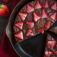 Paleo chocolate cake baked in a skillet for a no-fuss approach to dessert. Sweetened with figs and topped ... Keep reading ...