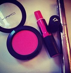 Pink MAC Make-Up