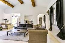 Elégante maison provençale proche d' Aix