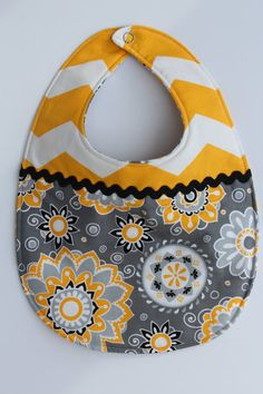 Girls Gray and Yellow Chevron Baby Bib, diggingin the contrasting patterns and rick rack