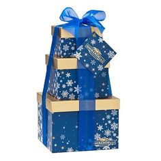 Ghirardelli Frosty Favorites Gift Tower -- Dark & Milk Peppermint Bark, Eggnog and Pumpkin Spice Caramel. Classic flavors include Dark & Mint and Milk & Caramel. Ghirardelli Chocolate, Chocolate Gifts, How To Make Chocolate, Chocolate Company, Peppermint Bark, Blue Gift, Food Gifts, Gift Baskets, Pretzel