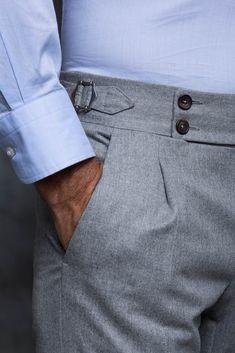 pantalone - Pini Parma Grey Flannel Trousers, Tailored Trousers, Older Mens Fashion, Pantalon Costume, Mens Clothing Styles, Stylish Men, Menswear, Fashion Outfits, Mens Tops