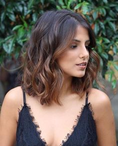 50 Chic & Classic Bob Hairstyles with an Extra Touch of Femininity 2019 - With H. - 50 Chic & Classic Bob Hairstyles with an Extra Touch of Femininity 2019 – With Hairstyle - Medium Hair Styles, Curly Hair Styles, Hair Cut Styles, Updo Styles, Langer Bob, Bobs For Thin Hair, Choppy Bob Hairstyles, Classic Hairstyles, Stylish Hairstyles